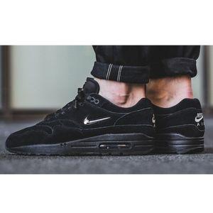 Men's Nike Air Max 1 Premium SC (Size 11)